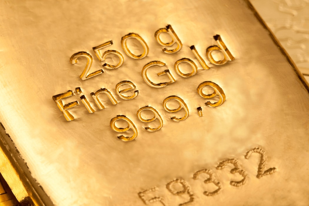 INVESTOR'S SAFE HAVEN: BITCOIN OR GOLD?
